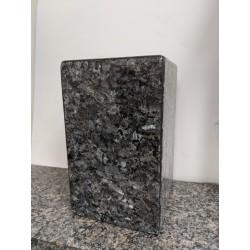 Urne en granit carré Bleu Perle